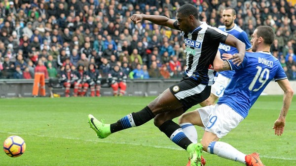 Zaoata vs Juventus.jpg