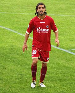 Piermario_Morosini_playing_for_Livorno_in_2012.jpg