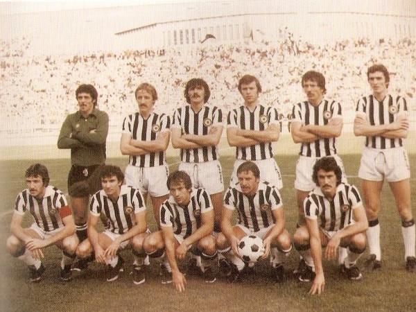 Copia di Udinese 1978-79-Fanesi primo accosciato a dx.jpg