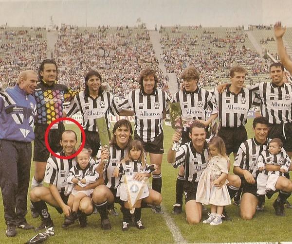 Udinese 1994.-95 Pizzi primo da sn accosciato.jpg