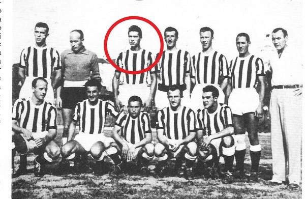Udinese 1949-50 Darin terzo da sn in piedi.jpg