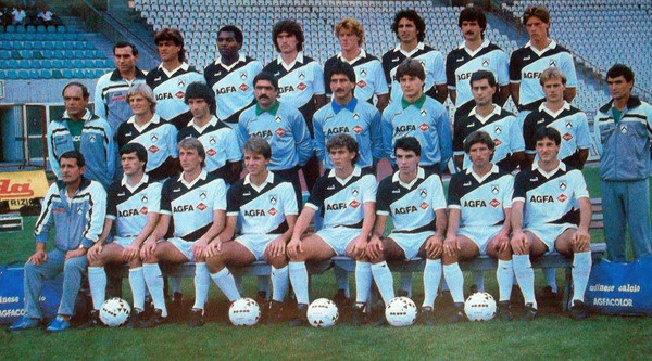 Udinese 1985-86 Colombo secondo da sn riga in mezzo.jpg